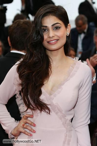 Amisha and Puja Gupta at All is Lost Premiere at Cannes AdhuqDZG