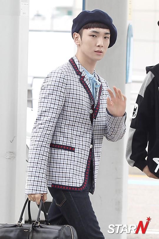 [IMG/160715] Jonghyun, Key @ Aeropuerto Incheon hacia Japón. ZAVkA9e3