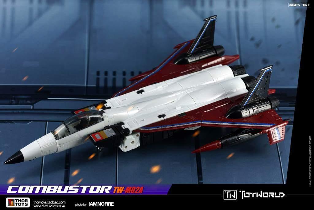 [ToyWorld] Produit Tiers - TW-M02A Combustor (Ramjet/Statoréacto), TW-M02B Assault (Thrust/Fatalo), TW-M02C Requiem (Dirge/Funébro) - Page 3 H1QHkBUR
