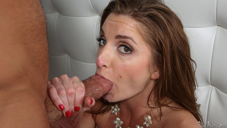Silvia Saige - chupar y coger por el culo