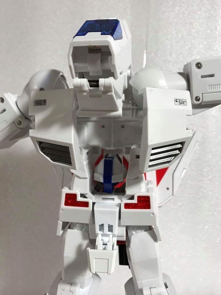 [Fanstoys] Produit Tiers - Jouet FT-10 Phoenix - aka Skyfire/Aérobo - Page 3 8rlo3jUu