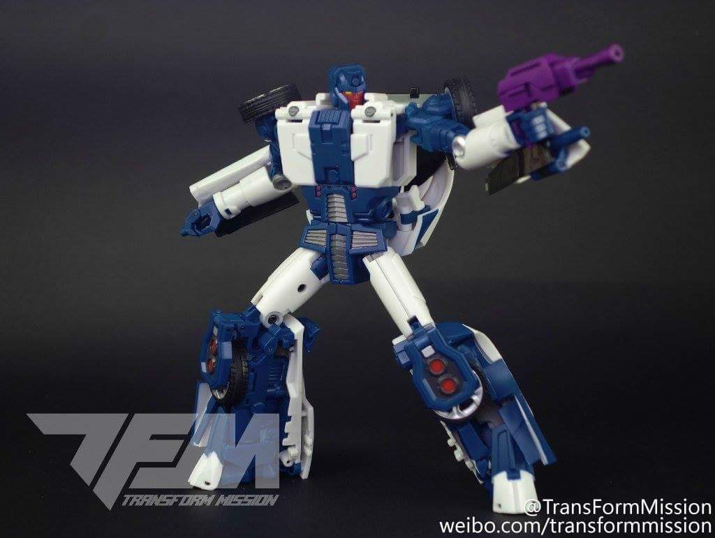 [Transform Mission] Produit Tiers - Jouet M-01 AutoSamurai - aka Menasor/Menaseur des BD IDW - Page 2 RnwHJ0lp