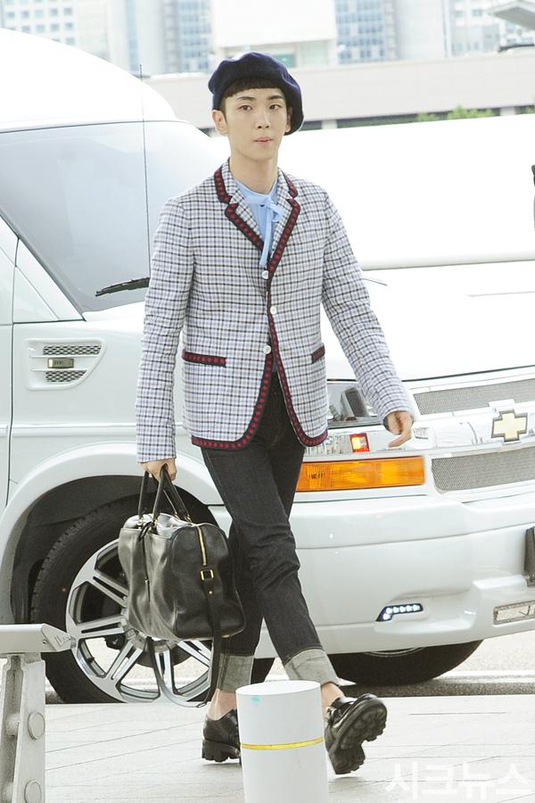 [IMG/160715] Jonghyun, Key @ Aeropuerto Incheon hacia Japón. Fm2vOF6u