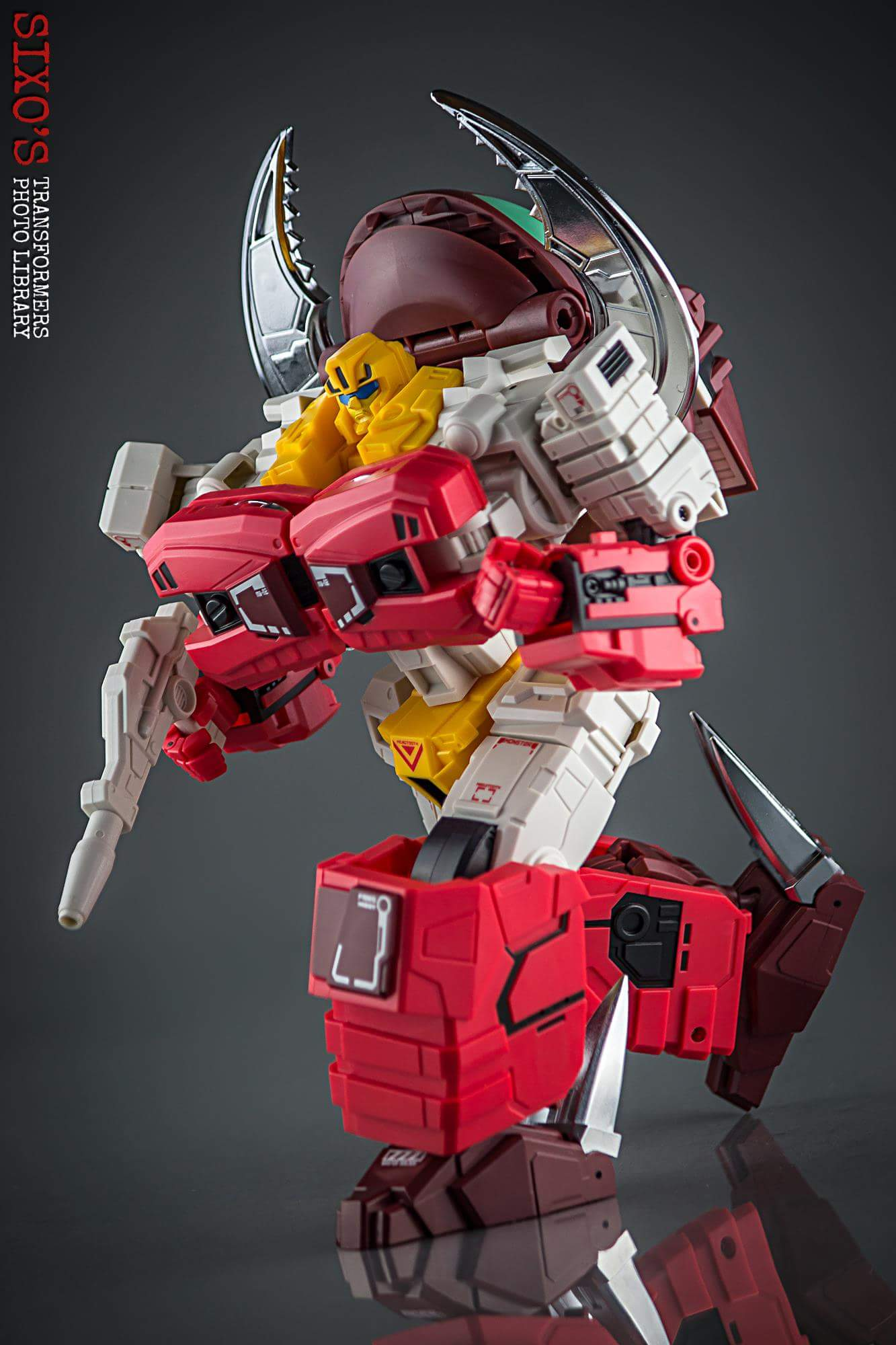 [FansHobby] Produit Tiers - Master Builder MB-02/03/05 - aka Monsterbots/Monstrebots - Page 2 NDca5x7k