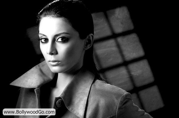 Minissha Lamba's 31 Most Sexy Pictures - HOT Actress Acnl34fE