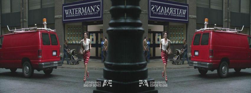 2011 Bag of Bones (TV Mini-Series) C5d7hgfb
