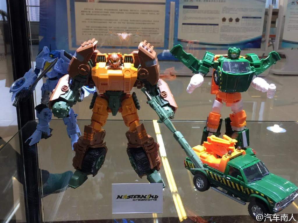 [Mastermind Creations] Produit Tiers - R-23 Dicamus - aka Roadbuster/Cahot des Wreckers IDW 8UFsxphW