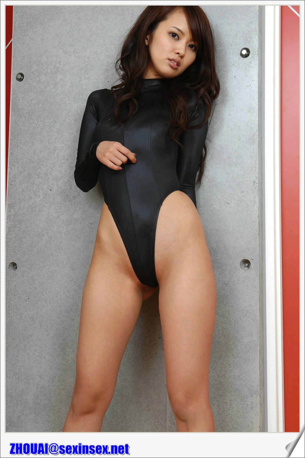 Раздвинула ноги японка фото 11 фотография