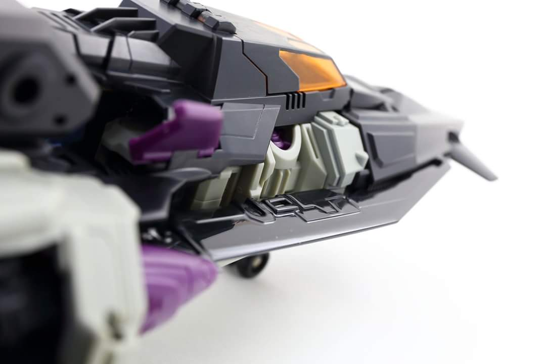 [Mastermind Creations] Produit Tiers - R-17 Carnifex - aka Overlord (TF Masterforce) - Page 3 SJDAPiIa