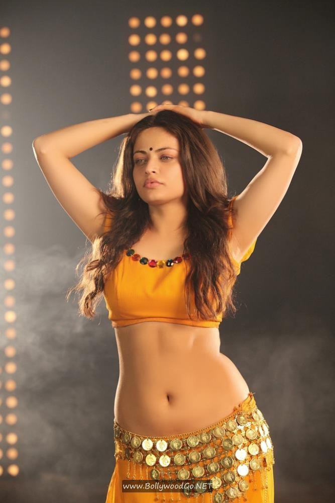 Sneha Ullal Action 3D Movie Stills in Bikini AcxFx2po