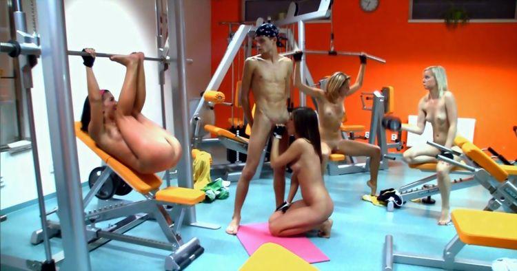 эротический женский фитнес