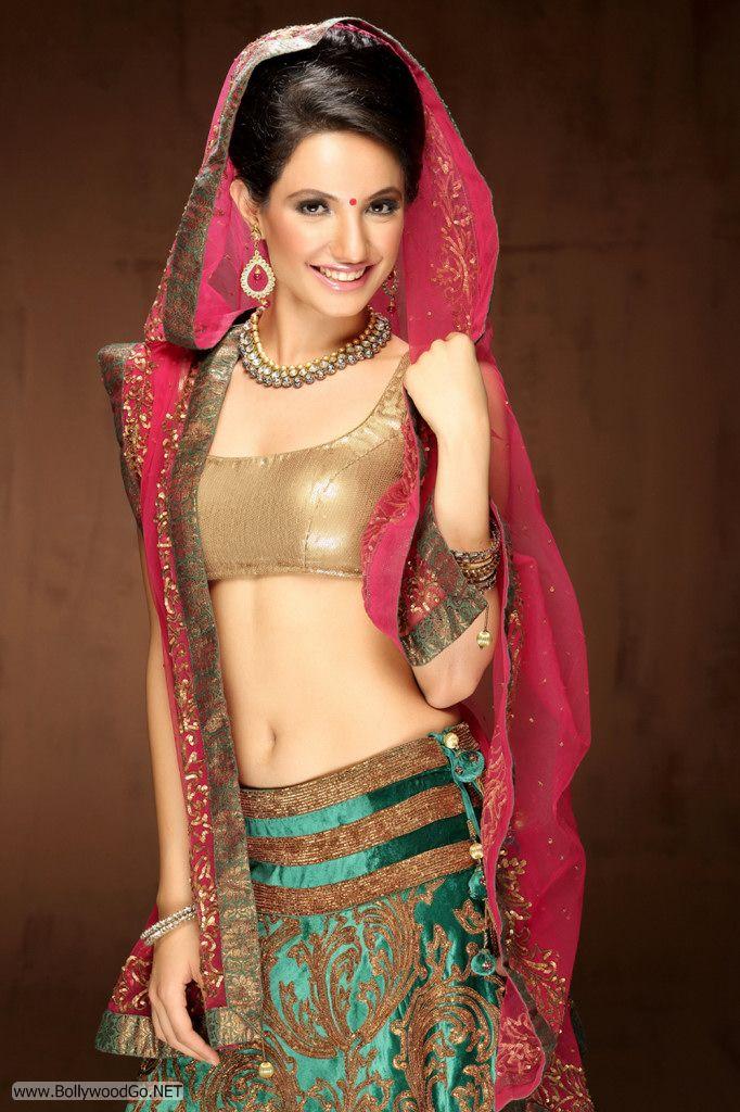 Actress and Model Lekhika Sizzles in Portfolio Photoshoot Acd2LClC