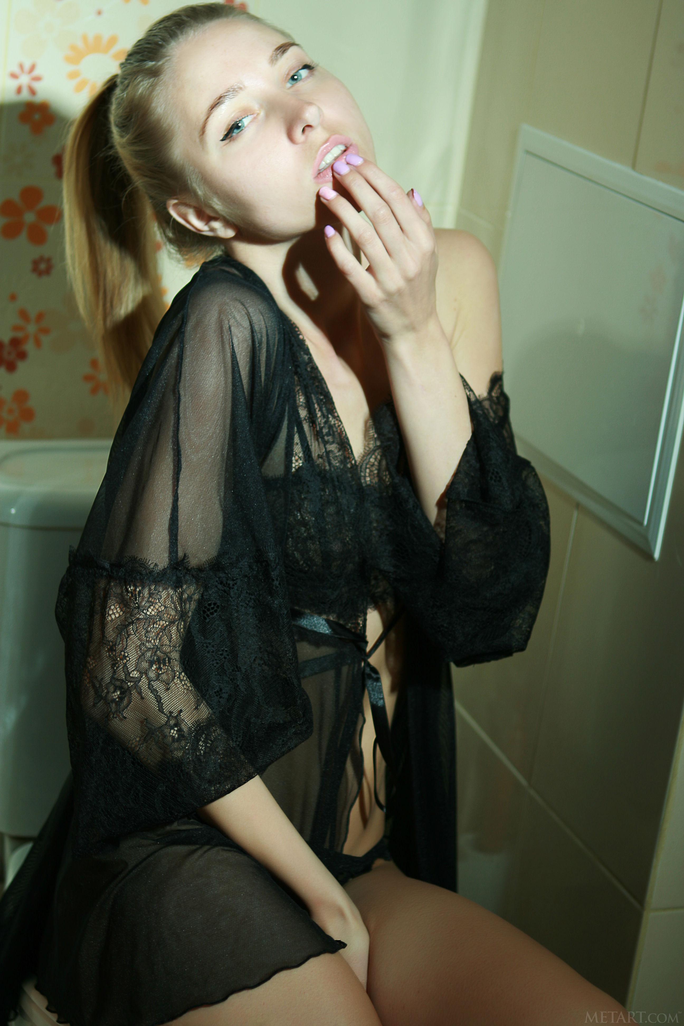 Sexy Sheana