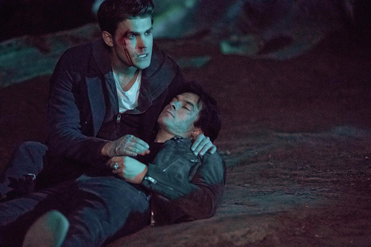 Дневники вампира почему в 7 сезоне нет елены
