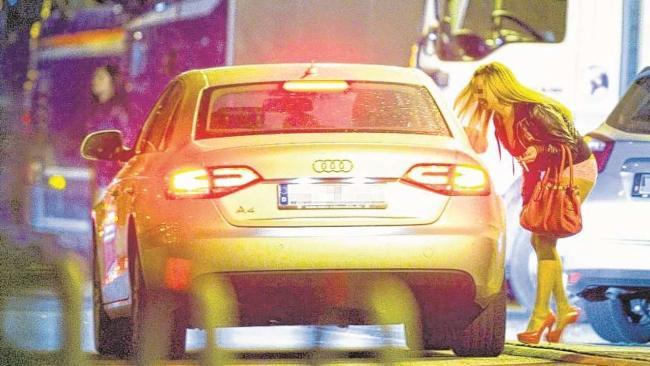 prostitutas poringa prostitutas en la calle videos