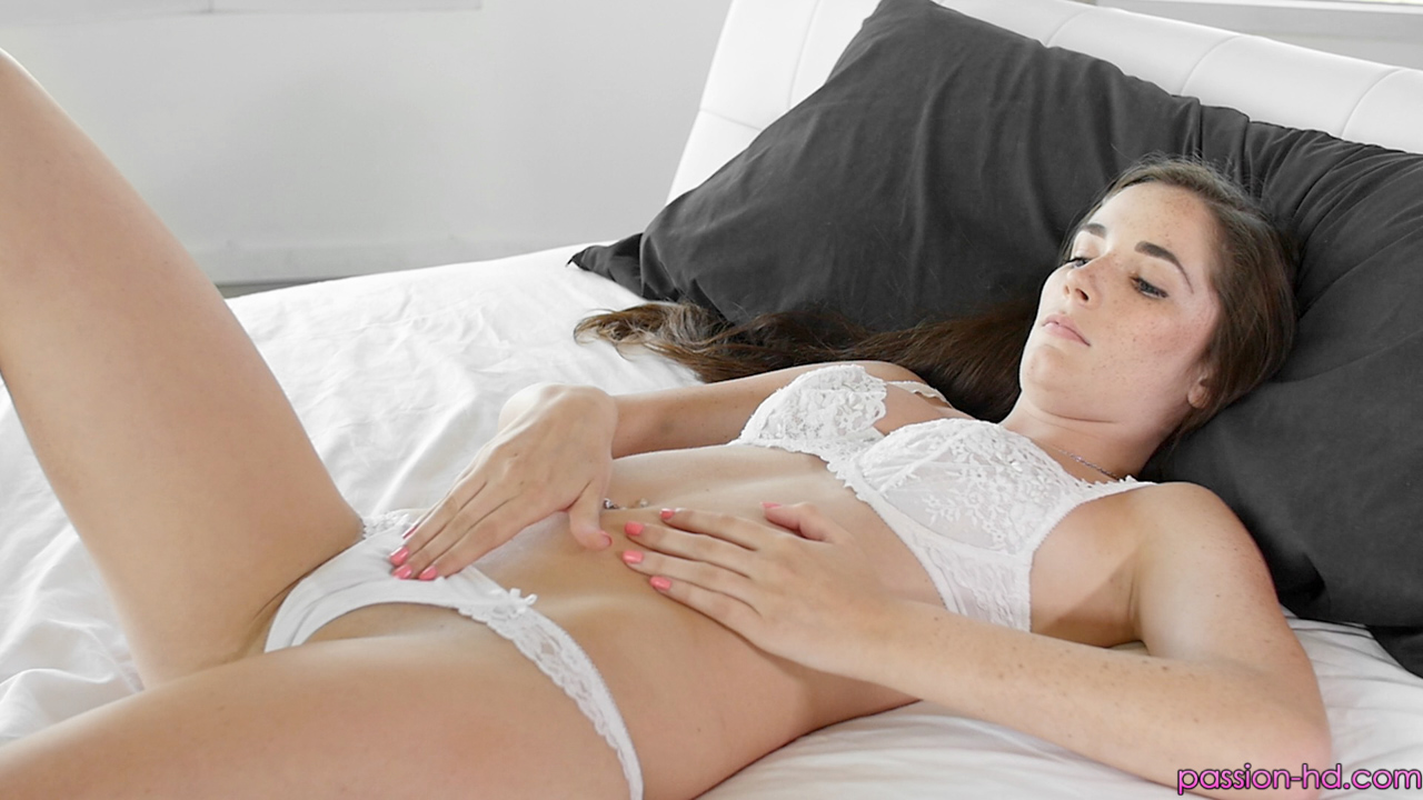 Clit missionary position
