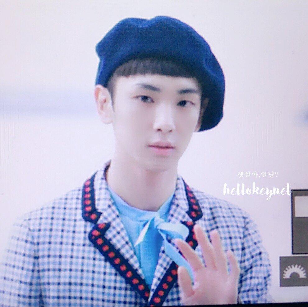 [IMG/160715] Jonghyun, Key @ Aeropuerto Incheon hacia Japón. D5ibgTRm