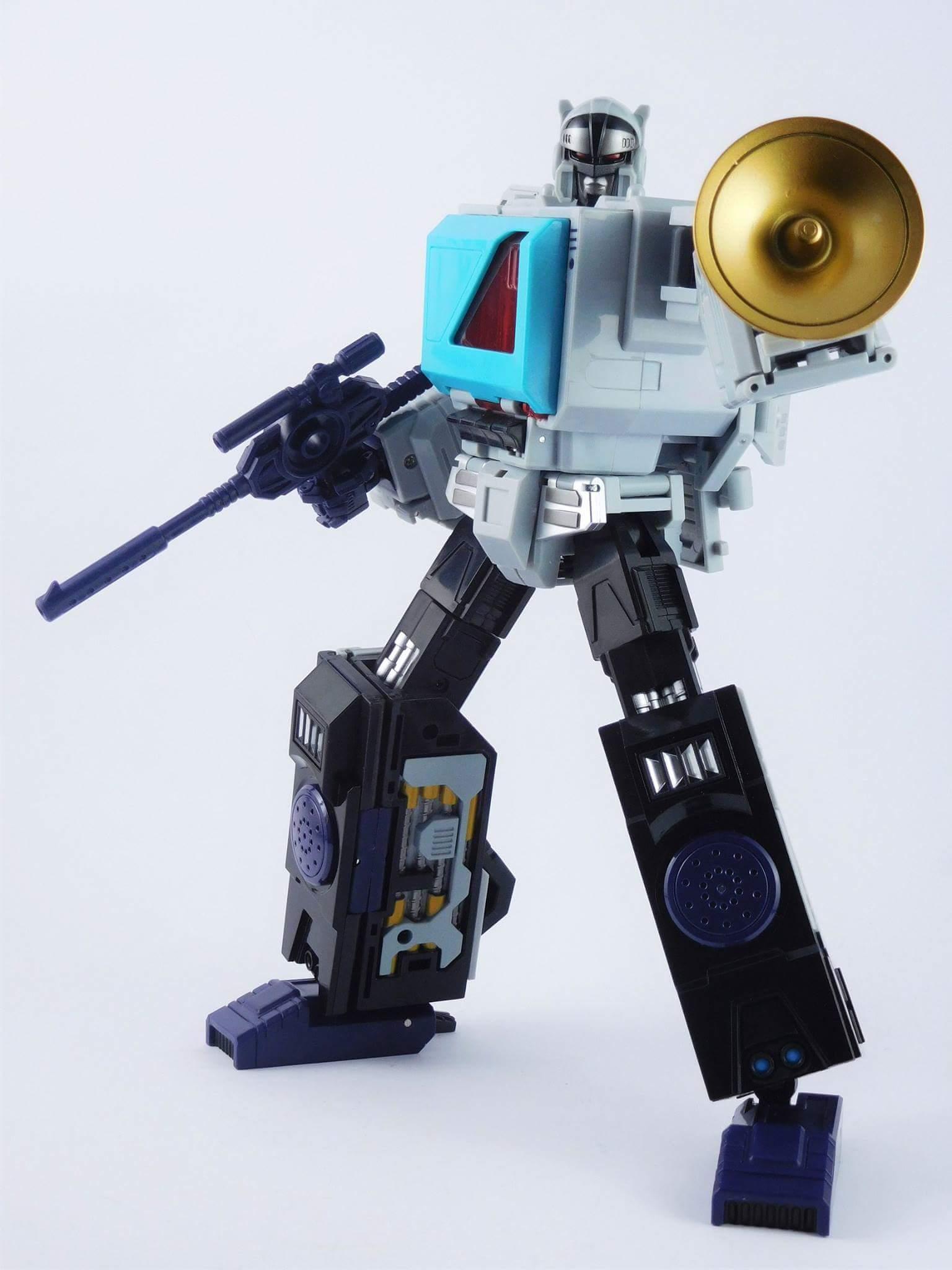 [KFC Toys] Produit Tiers - Jouet Transistor (aka Blaster/Tempo) + DoubleDeck (Twincast) + Fader (aka Eject/Éjecteur) + Rover (aka Autoscout) - Page 2 TERcNqSW