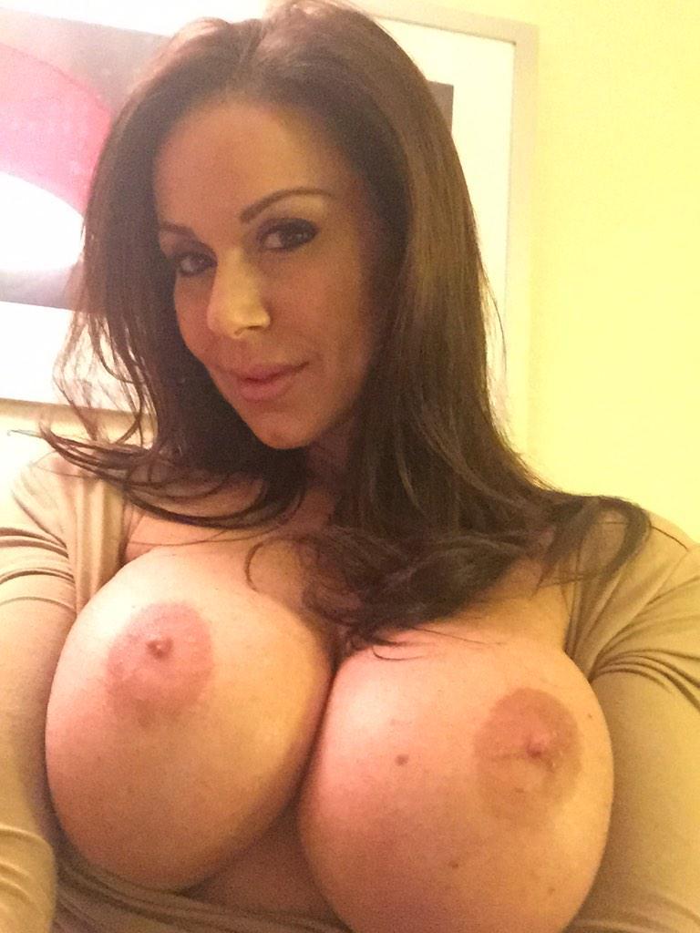 Perfecto culo blanco MILF Kendra Lust - Faperoni Porn