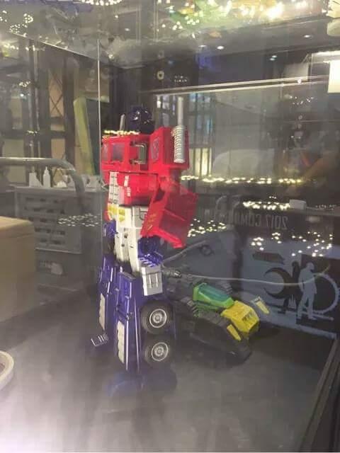 [ToyWorld][Zeta Toys] Produit Tiers - TW-M01 Primorion/Zeta-EX6O OriPrime et Zeta -EX6E EvaPrime - aka Optimus (G1 et Evangelion) IMEJJxgl