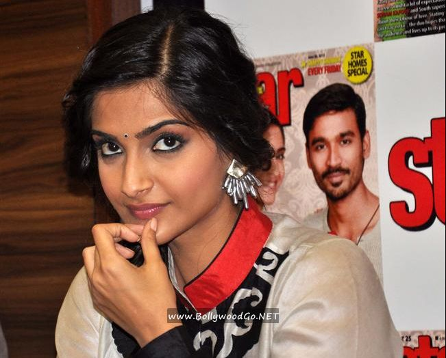 Sonam Kapoor and Dhanush unveil Star Week's new issue AcyJxSi0
