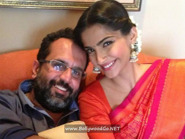 Sonam Kapoor and Dhanush Promotes Raanjhanaa in Chennai AdlBnr5x