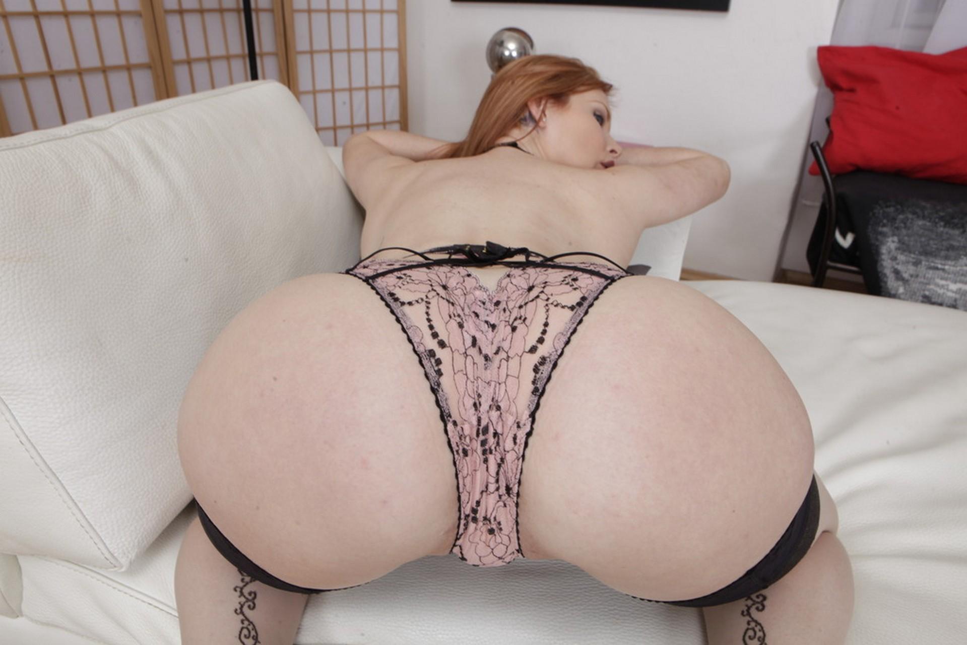 Pelirroja Latina Con Enorme Juguete - Videos Porno